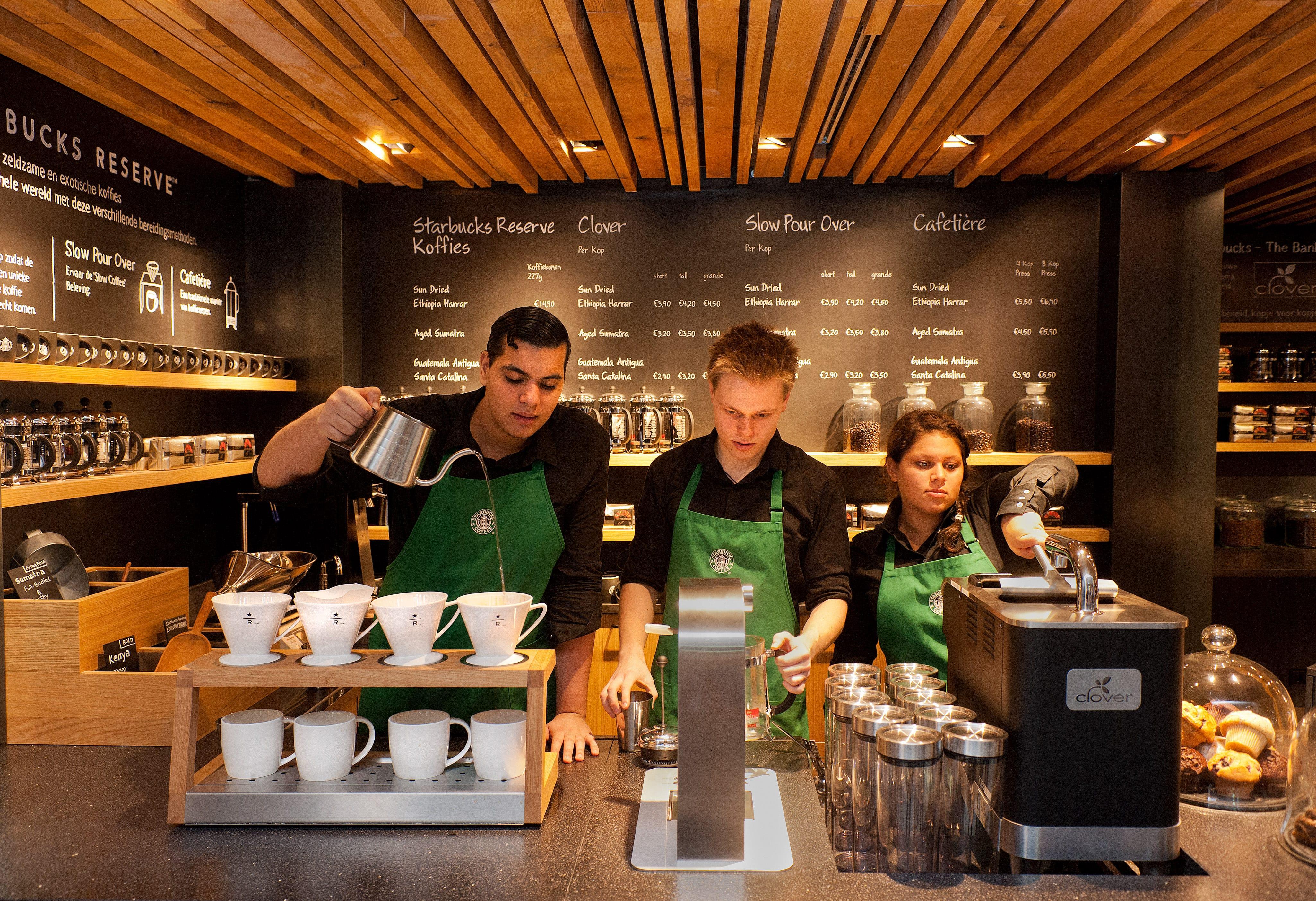 Starbucks_1.jpg