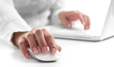 businesswoman_work_web.jpg