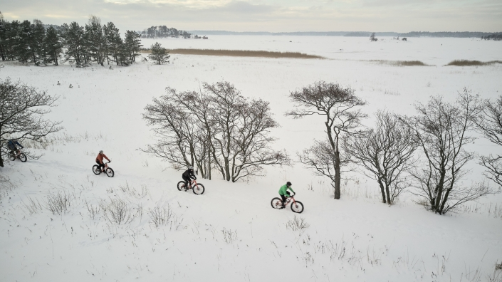 Fatbiking in winter